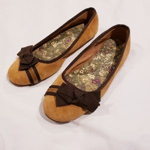 Sperry Tan Leather Round Toe Flats With Bow